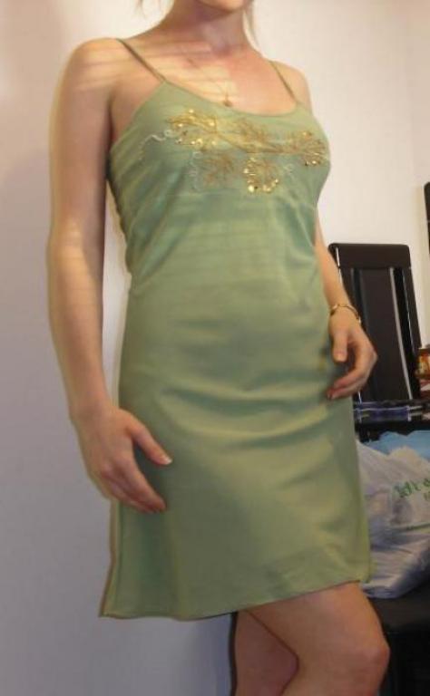 Платье по-косой с вышивкой