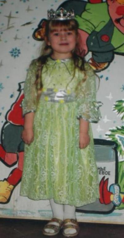 Нарядное платье доче