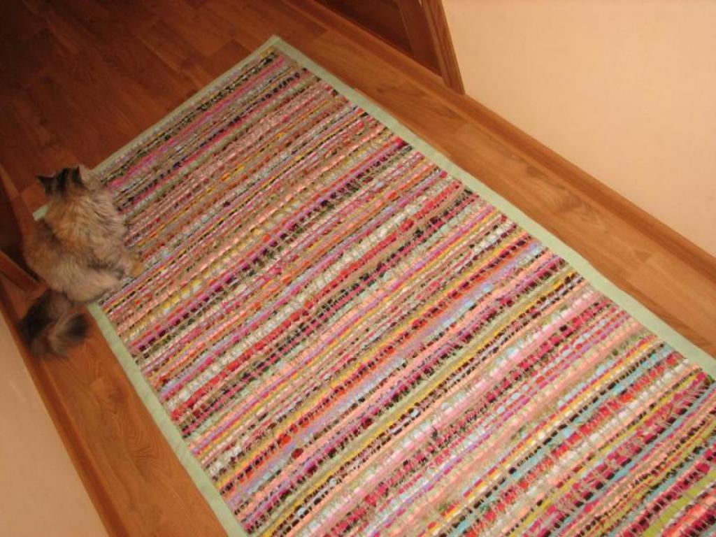 Шьем коврик из ткани