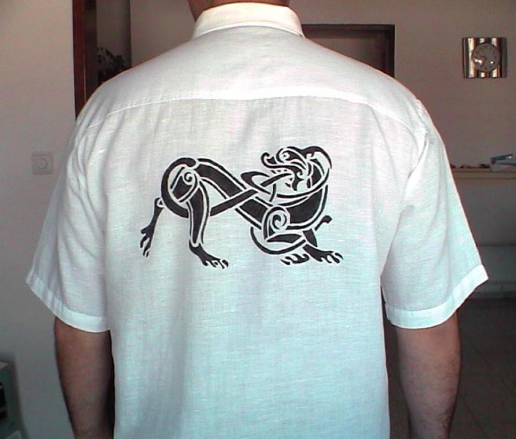 Рисунок на рубашке