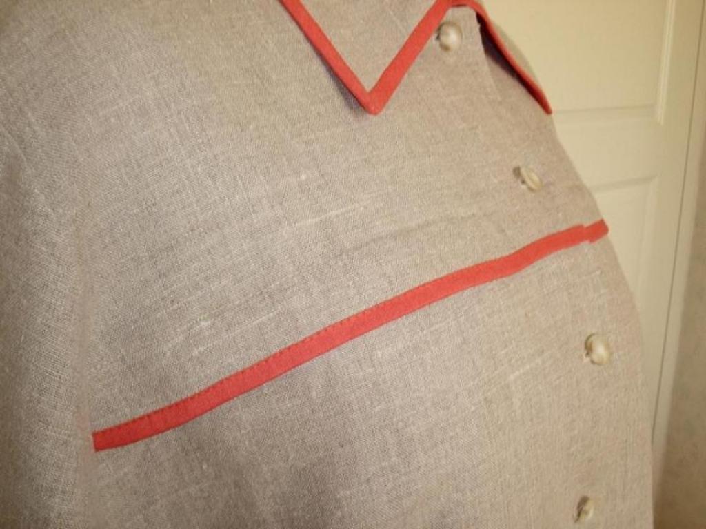 Жакет из льняной ткани с контрастной отделкой