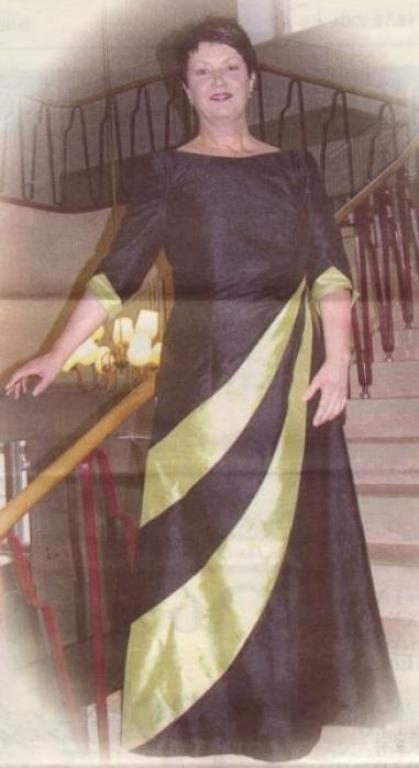 Платье из шёлка с вставками по подолу
