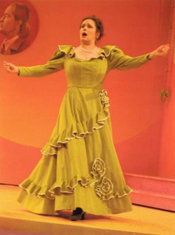 Три платья ( начало 20 в.) для спектакля-фарса.