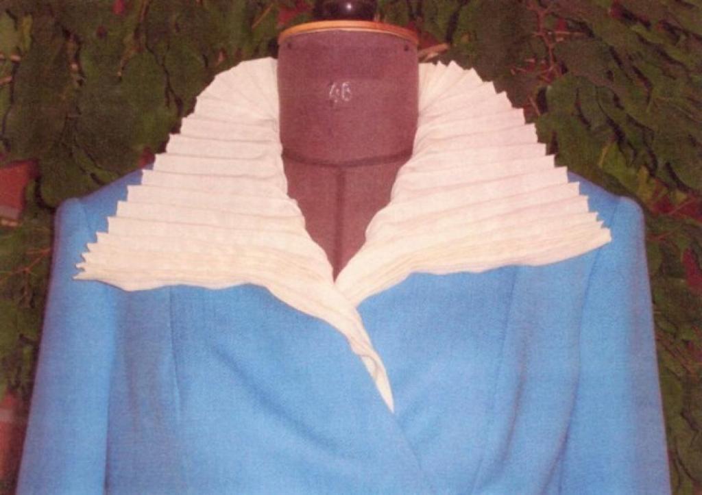 Костюм из эксклюзивной ткани