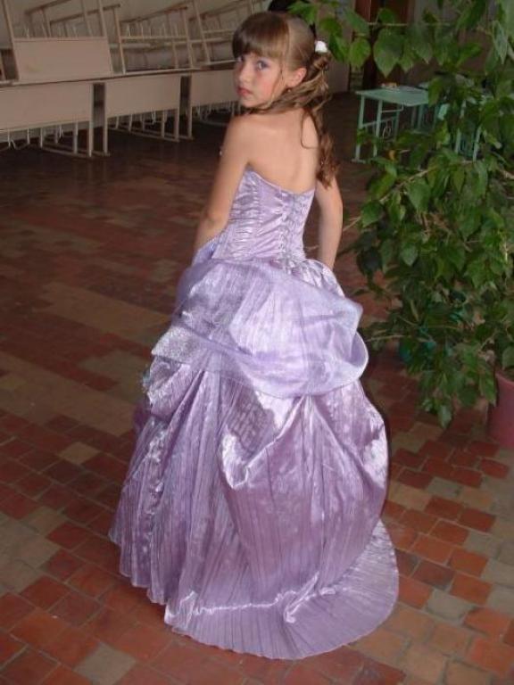 на выпускной бал в детском саду.  Мерки: общая длина платья по спинке...
