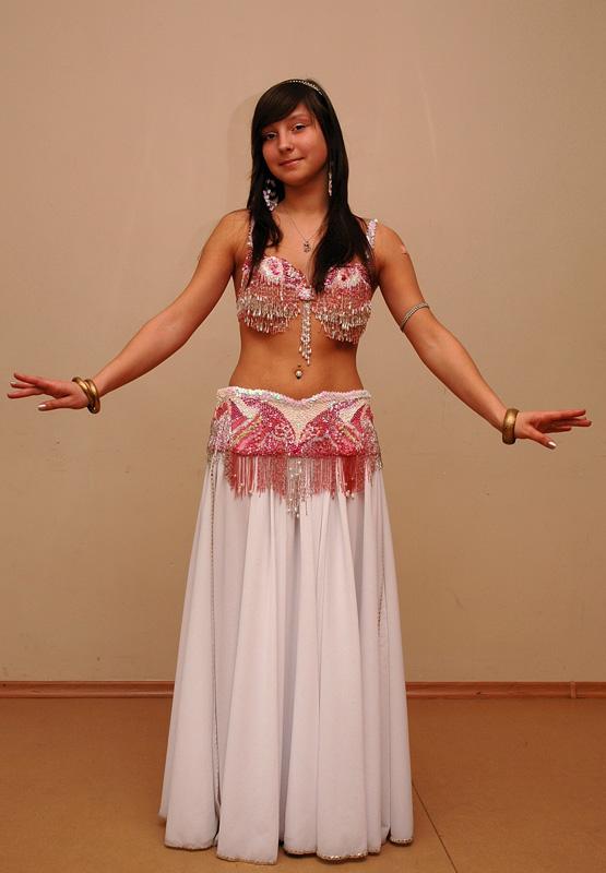 ... египетских костюмов для танца живота: vyshitshitua.ru/kak-poshit-vostochniy-poyas.html