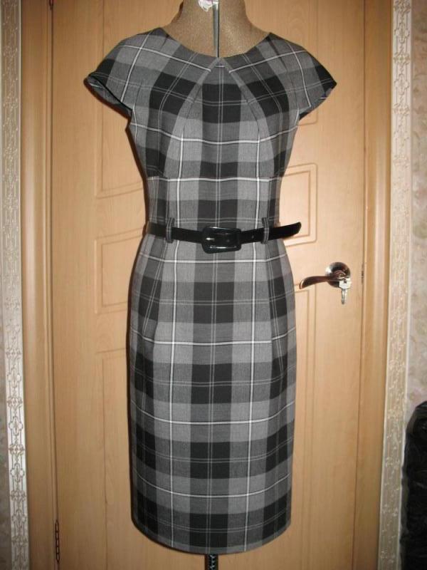 Офисные платья в клетку женский