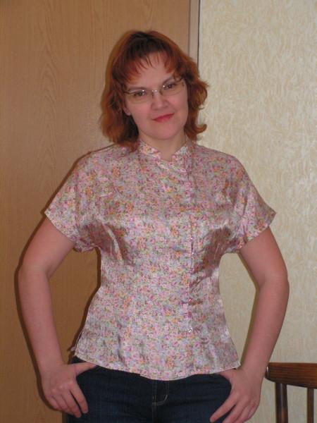 блузка слегка в китайском стиле, из вискозного атласа