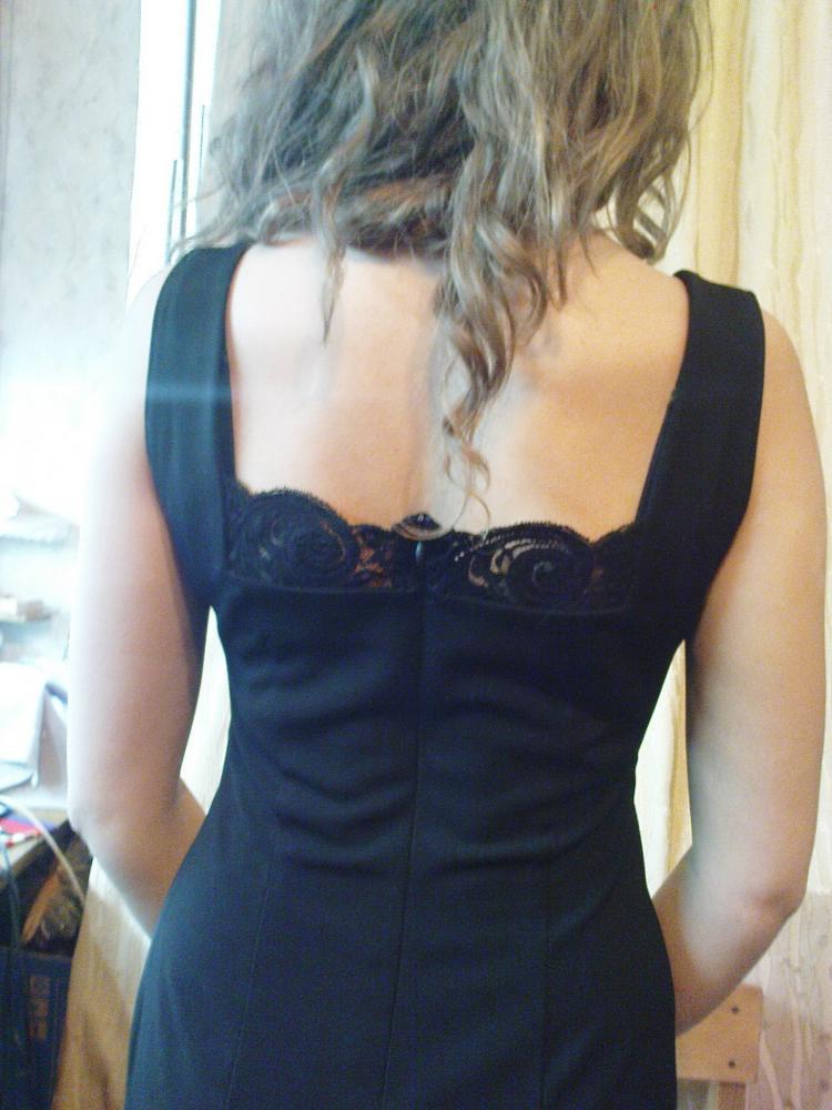 Блузка из стрейчевого гипюра сделана