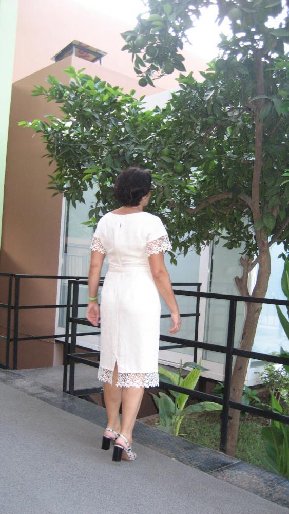 Как перешить большое платье в маленькое?  Переделка одежды.