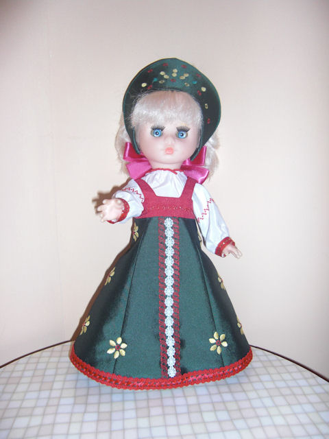 6.8 Собираем русский народный костюм для куклы 16