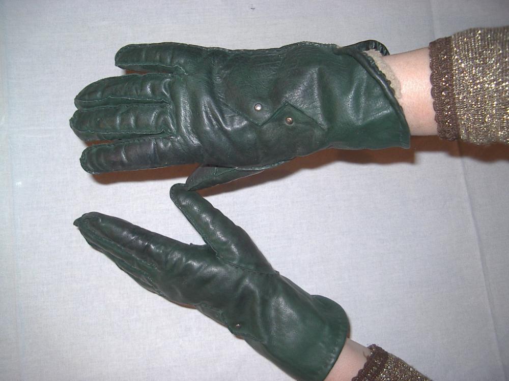перчатки зеленые.JPG