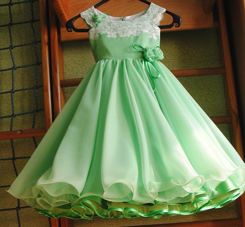 Платье для девочки с юбкой полусолнце