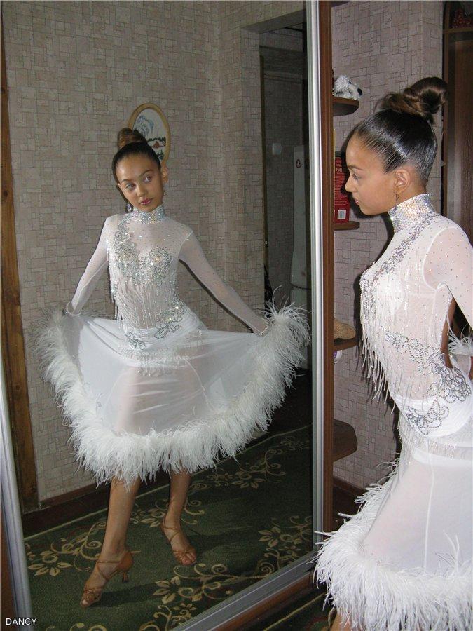 Платье латина с боа