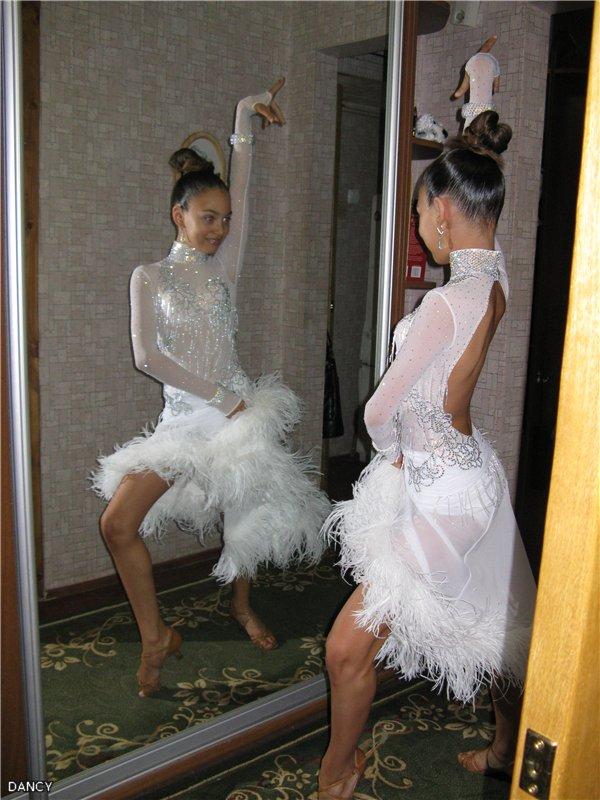 Платья латина белое