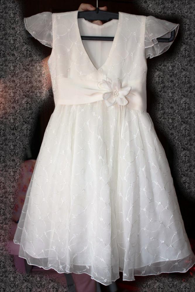 108657 байтДобавлено. одно детское платье для выпускного.