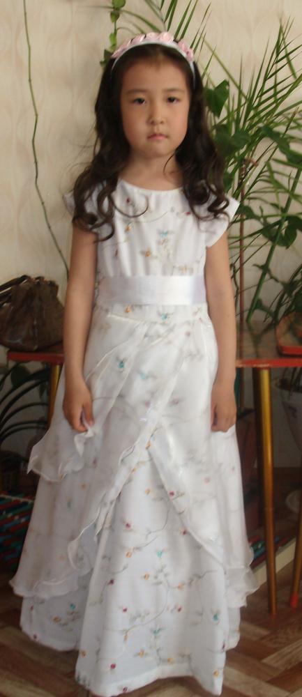выкройка нарядного платья на девочку года.