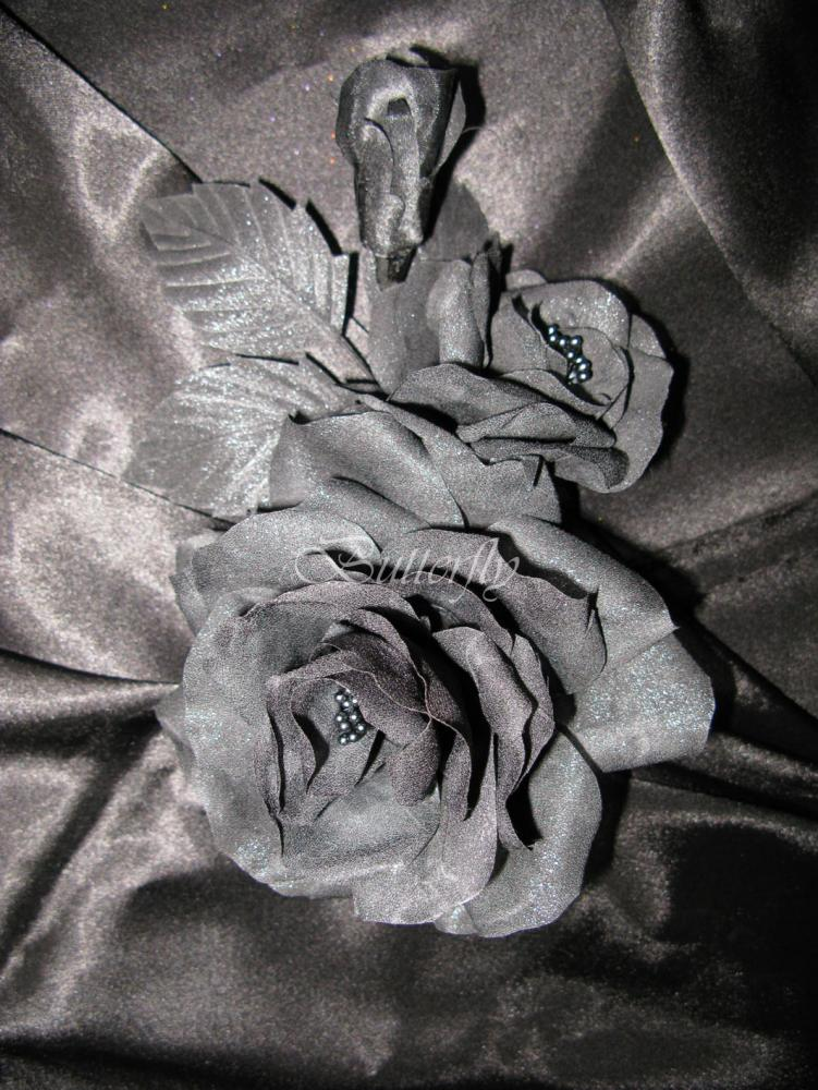 Rose-black.jpg