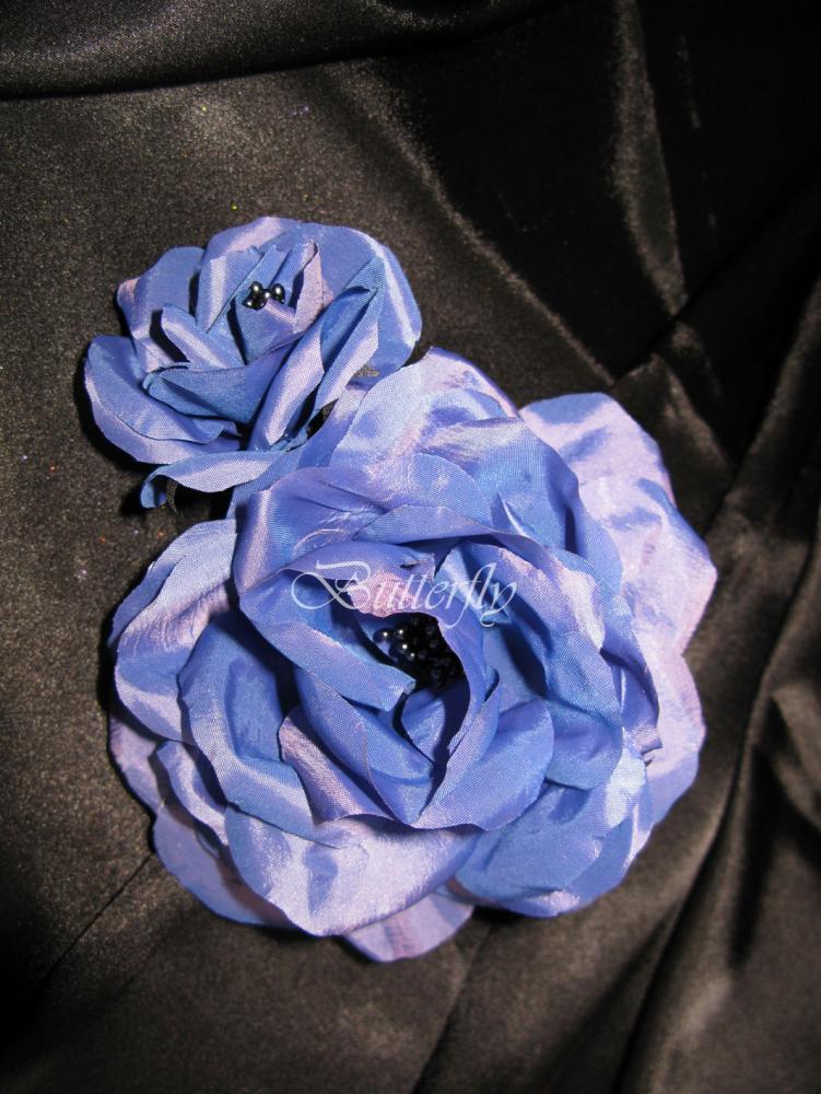 Лиловая роза