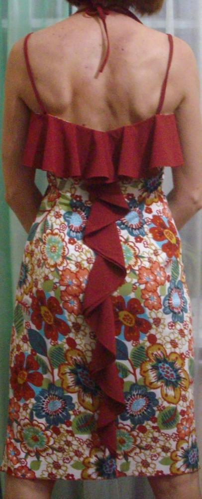 фасоны платьев для полных женщин в горошек длинное в пол.