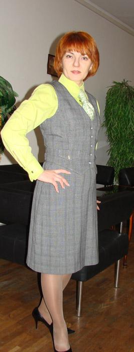 зеленая_рубашка_серый_костюм_2.jpg