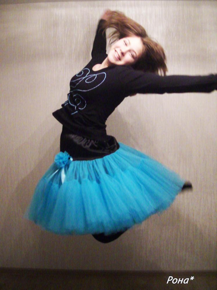 Доча давно просила себе такую юбочку , я всё тянула... всё таки на маленьких мне шить такую юбку полегче .