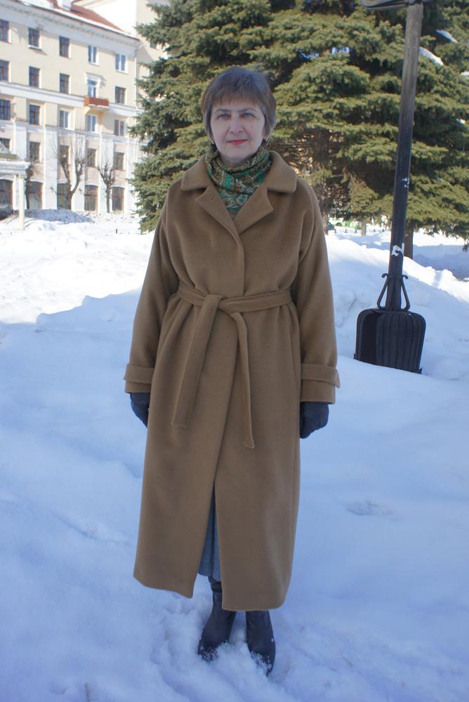 Бурды 8/2010.  Успела сшить пальто к весне.  Теплое.  Модель из.