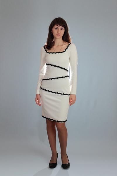 Белое платье из джерси