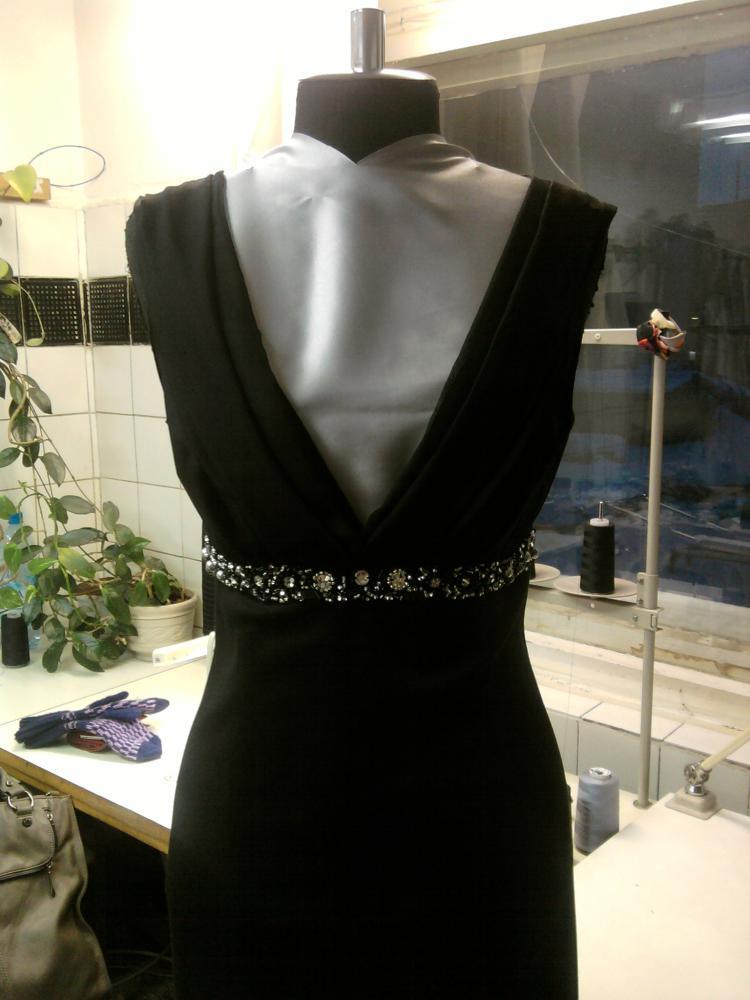 скромное вечернее платье