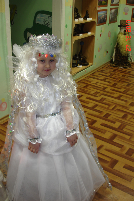Как сшить костюм снежной королевы с фото