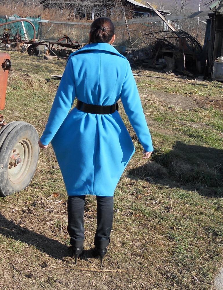 пальто голубое 3