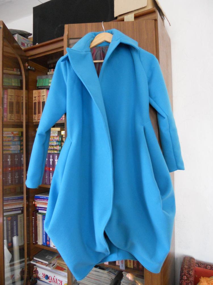пальто голубое 2