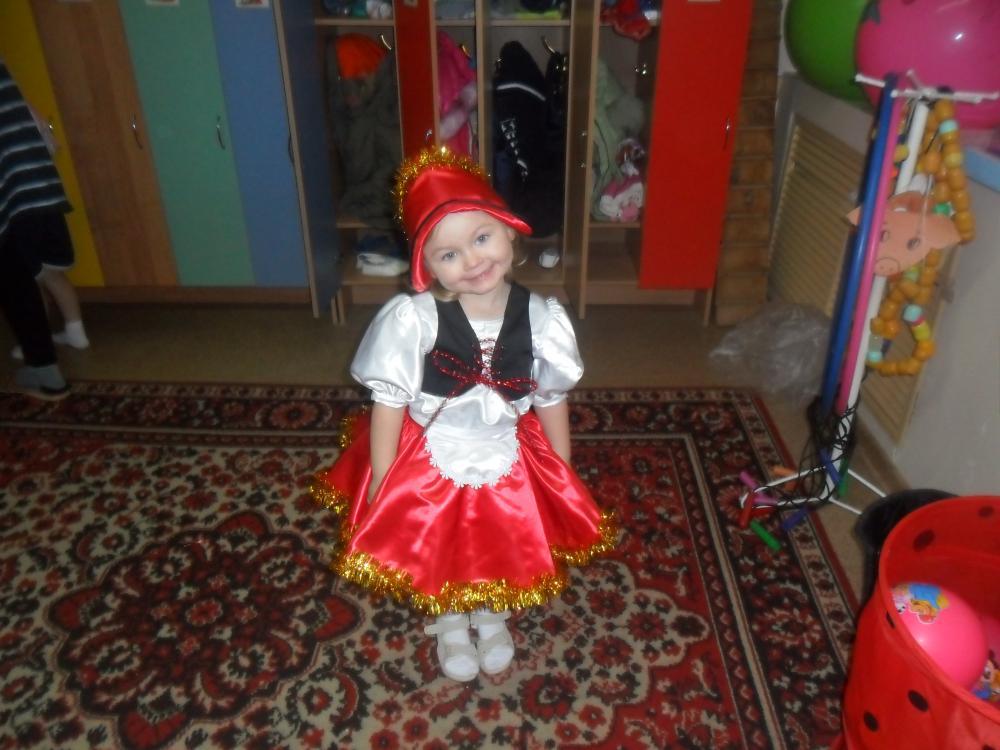Выкройка костюма красная шапочка на девочку фото 767