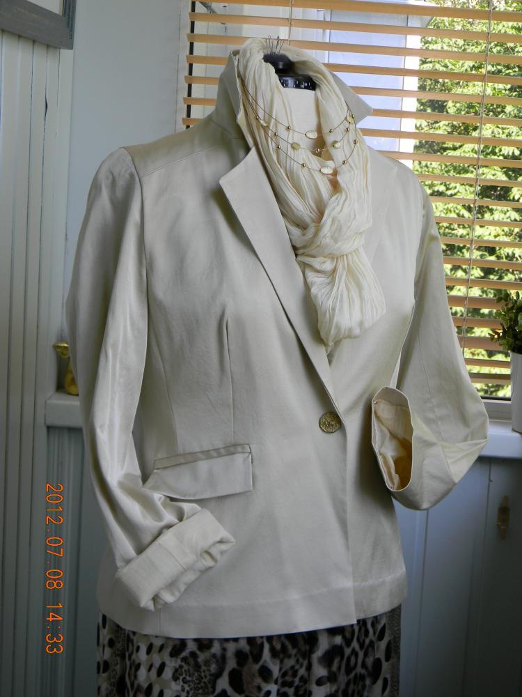 пиджак из атласа