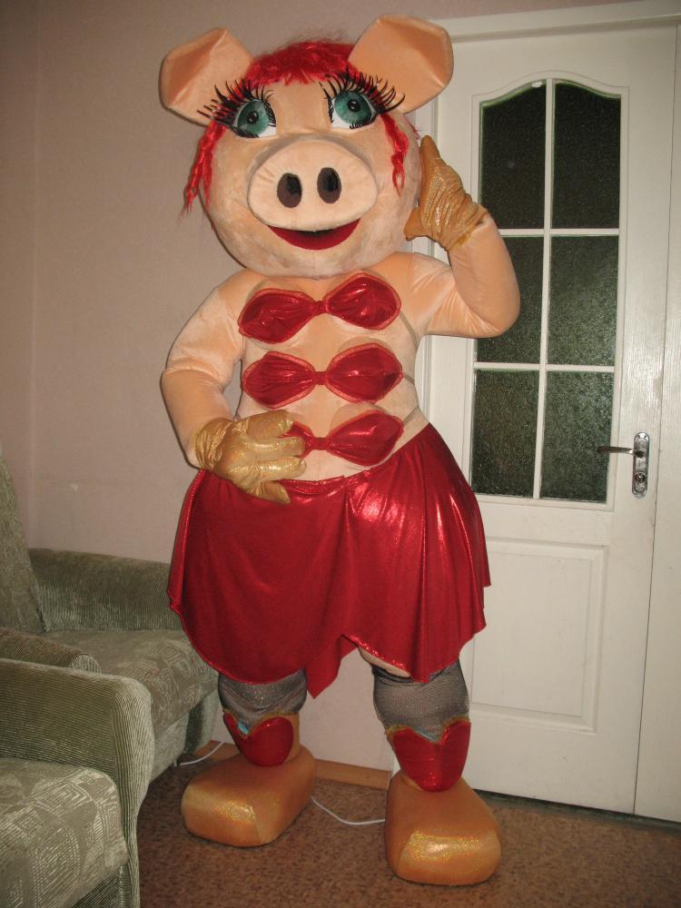 Свинка-стриптизерша