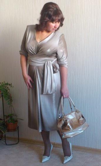 Трикотажное платье с завязками из бурды себе