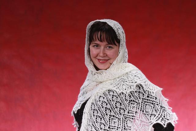Shawl Filigrano in white