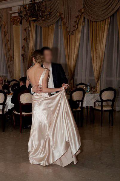 Спинка платья.