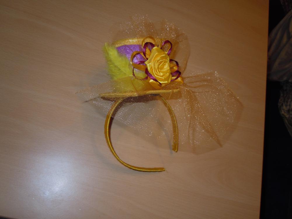 шляпка под платье для праздника осени