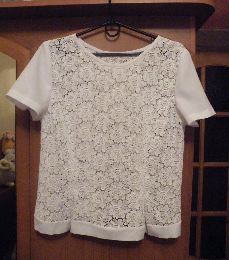 блуза из кружева.