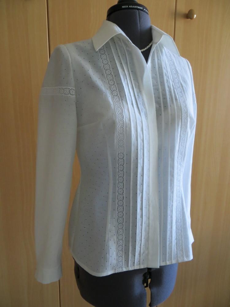 Белая блуза с шитьём