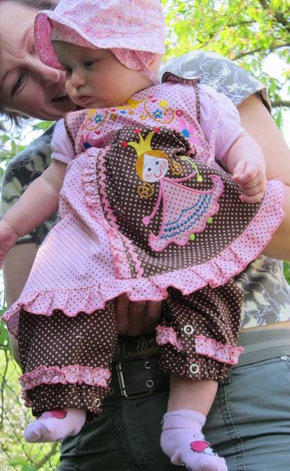 летний наряд для внучки