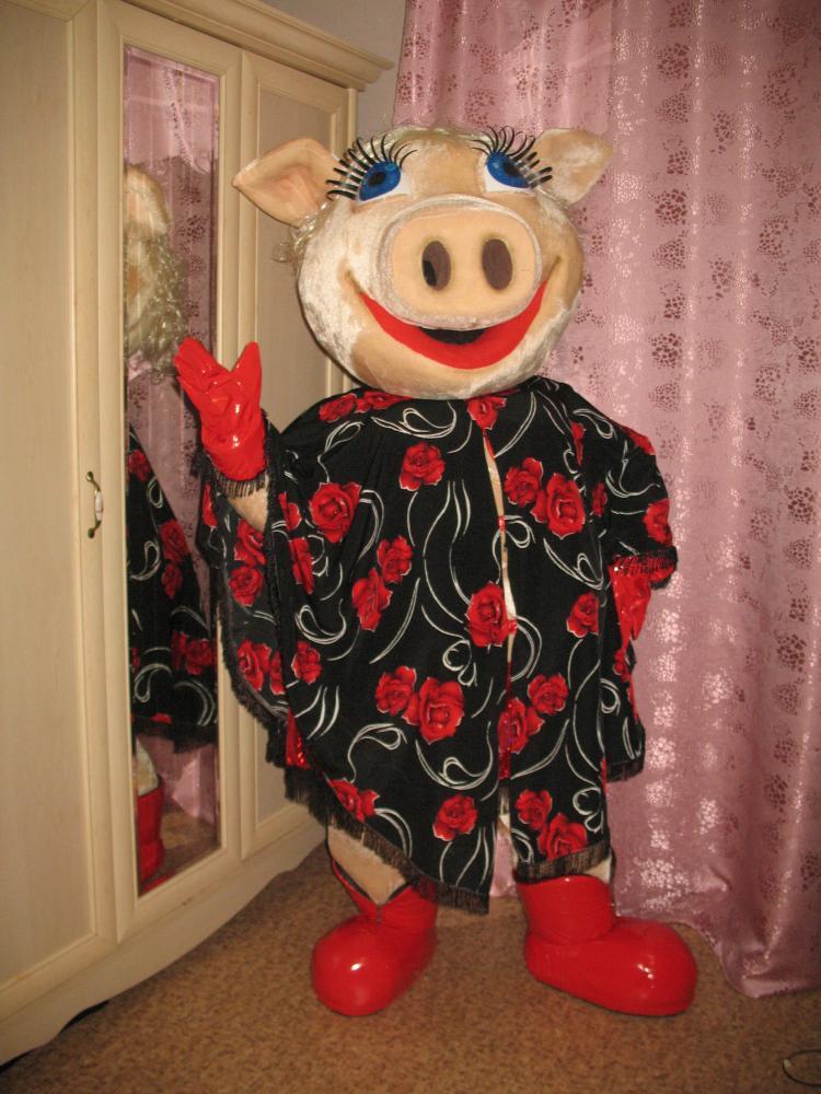 Свинка-стриптизер