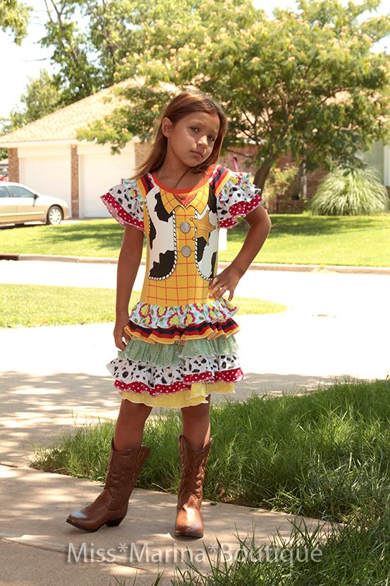 Трикотажное платье из футболки, из диснеевского фильма &quot