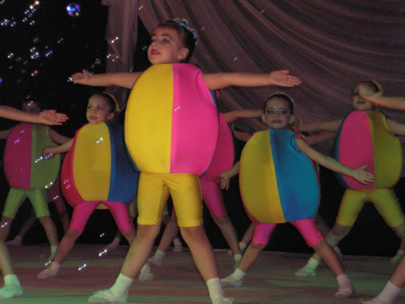 "танец ""Мячики"""