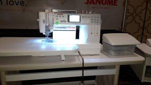 janome-6700p-with-slide-table.thumb.jpg.3238db39fa0b02ce17139906c9e8cc30.jpg