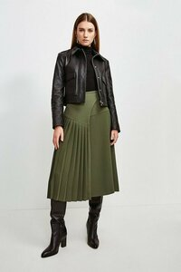 236930597_green-military-pleated-wrap-midi-skirt(4).thumb.jpg.cf2ebdf73e18550d125115bf94883a28.jpg
