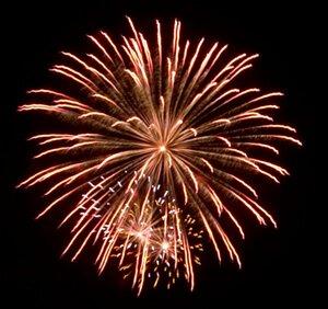 depositphotos_10139024-stock-photo-fireworks.thumb.jpg.2d013e7b0e18b79039473bc9ed06c131.jpg