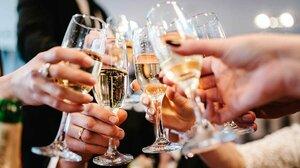 ruki-bokaly-shampanskoe-drink-champagne-1200x675.jpg