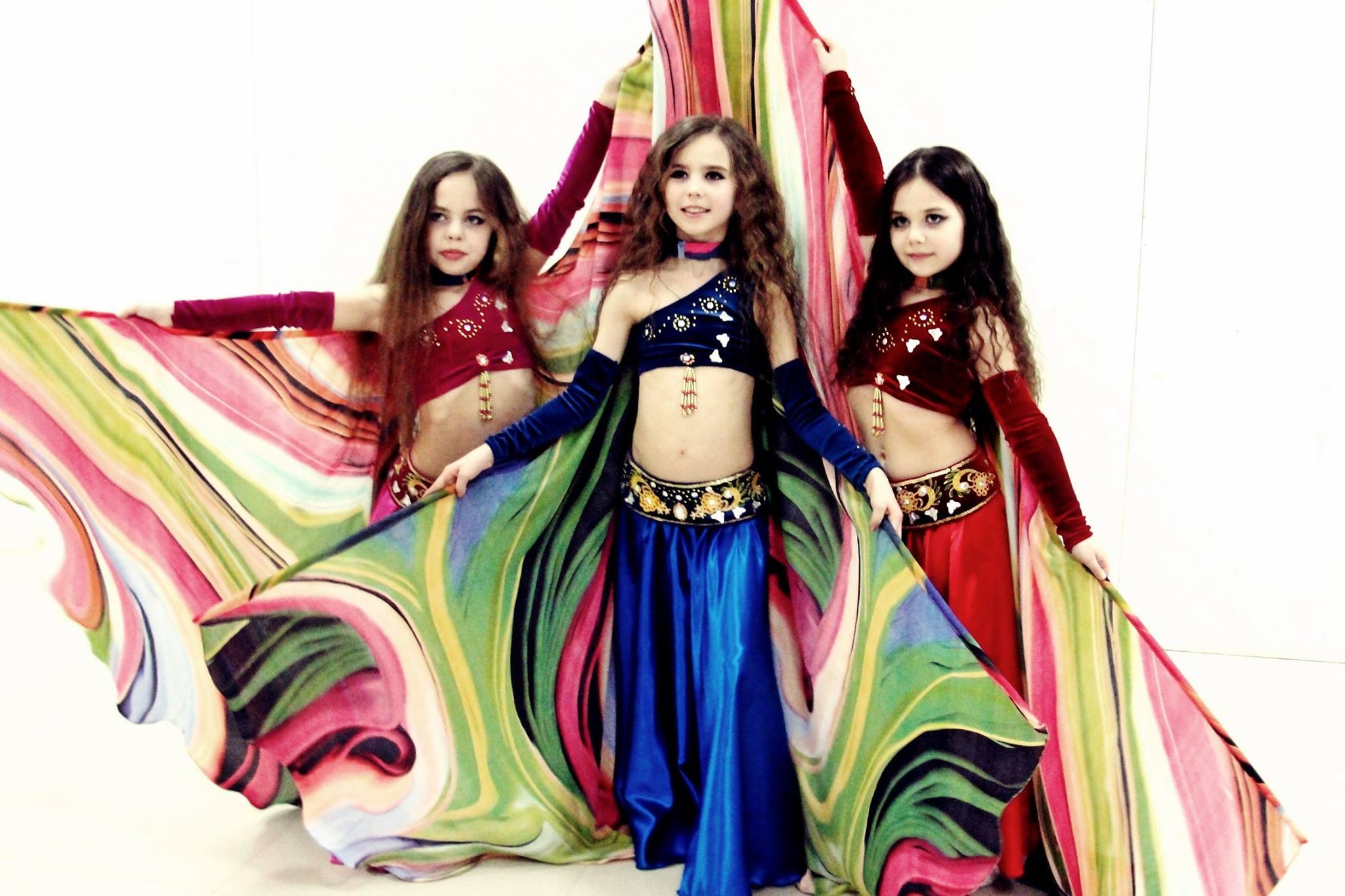 Картинки восточных танцев дети, днем
